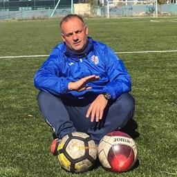 Há um treinador português campeão Sub-19 na Mongólia que não dispensa a almofada